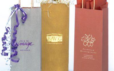 So sánh chất lượng khi in túi giấy kraft và túi nilon